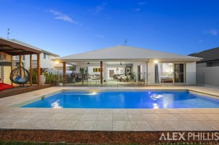 101 THE PENINSULA ,  HELENSVALE, QLD