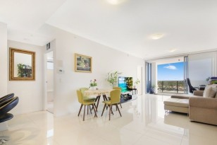 2803/25-31 EAST QUAY DRIVE ,  BIGGERA WATERS, QLD