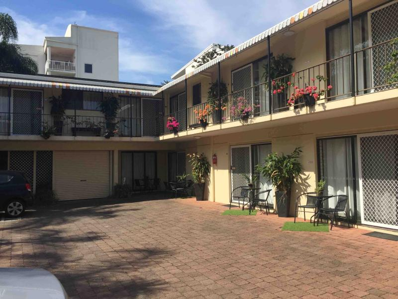 3 1/2 Star, Southern Suburb of the Gold Coast