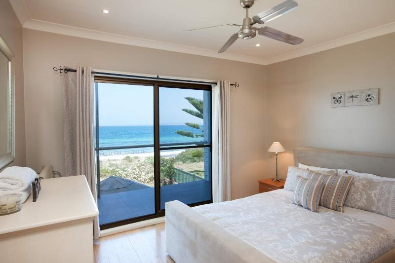 Brambles Beach House - Sleeps 7