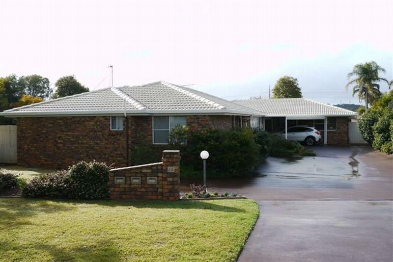 SHORT STAY.COMFORTABLE FULLY SELF CONTAINED UNIT NEAR USQ.