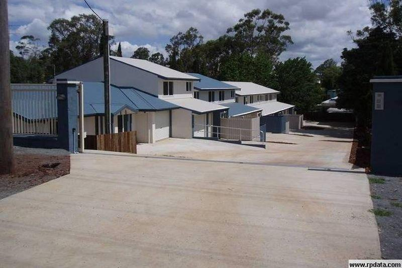 NEAR NEW- Two Bedroom Unit in North Toowoomba