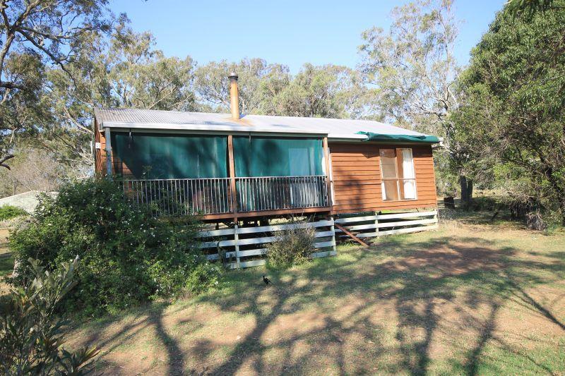 Meringandan Cottage on Acreage
