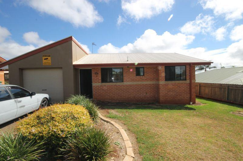 IDEAL FOR SHARE ACCOMODATION -CLOSE TO USQ