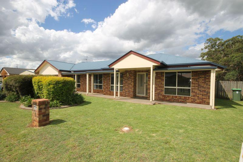 HIGHFIELDLS. NEAT 4 BEDROOM HOME WITH 4 CAR LOCK NUP.