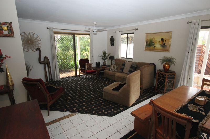 CABARLAH. SHORT STAY FURNISHED HOME. RURAL OUTLOOK. WALLABYS ETC.