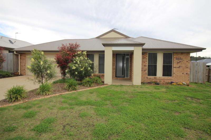 NEAT 5 BEDROOM HOME. FULLY FENCED. QUIET AREA