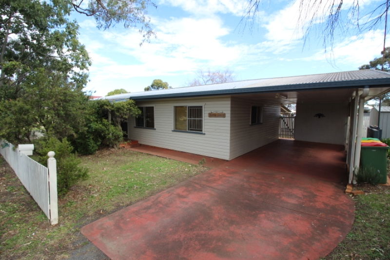 SHORT LONG TERM RENATL. WEST TOOWOOMBA