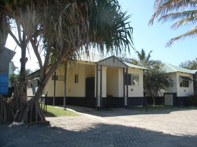 C08. Beachfront - Poolside