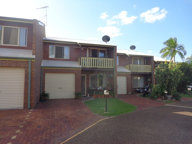 LOW MAINTENANCE TOWN HOUSE CLOSE TO CBD