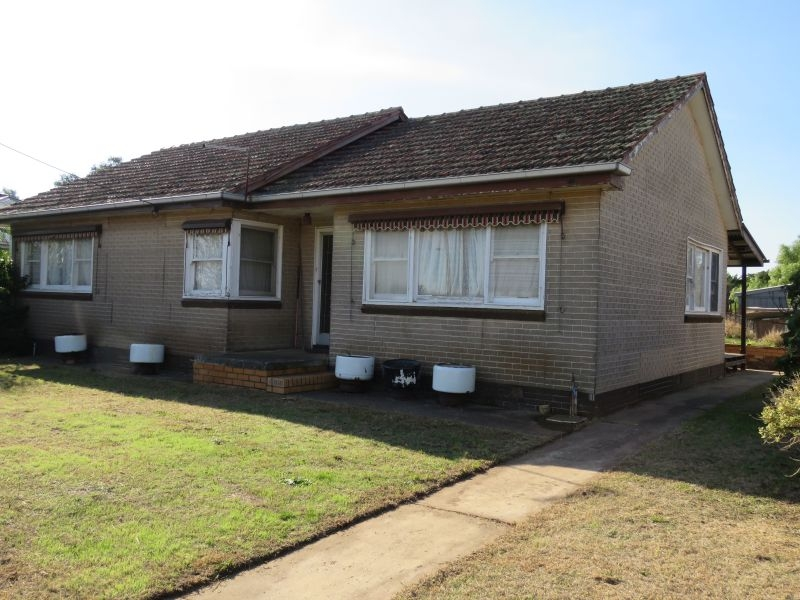3 Bedroom home in heart of township