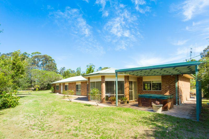 Secluded Location - Minutes to the Beach