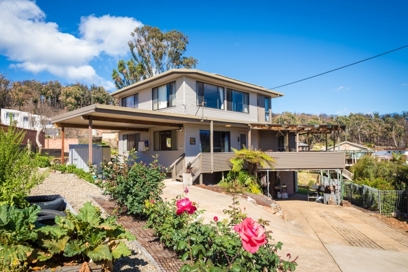 SOUGHT AFTER LOCATION WITH VIEWS OF TATHRA BEACH....