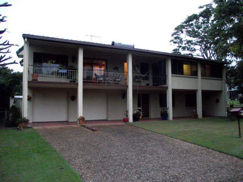 Furnished Highset - available 1 July 2012