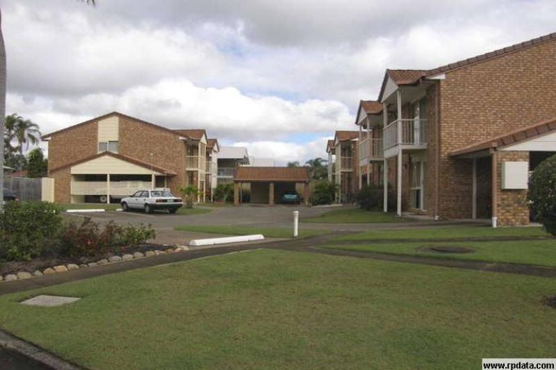 CAPALABA - TUCKED AWAY IN A TIDY COMPLEX