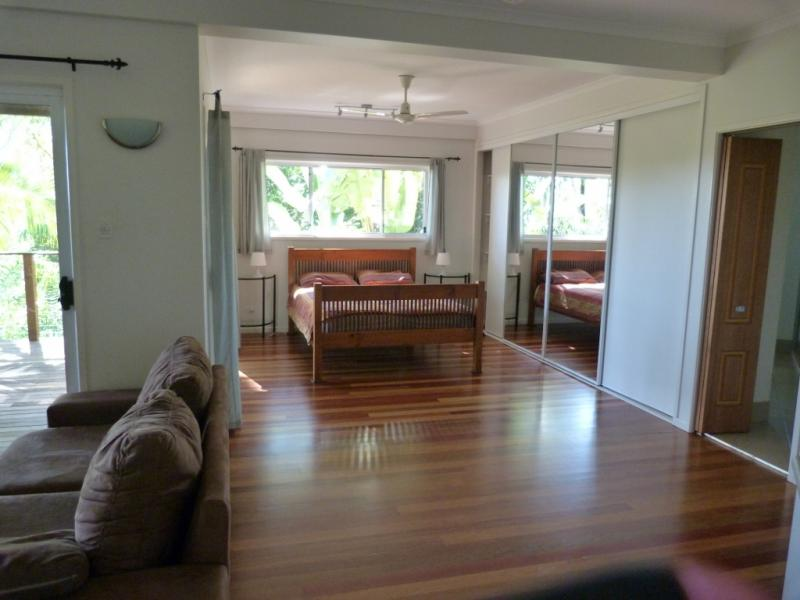 BEAUTIFUL BUSH UNIT on private property BUDERIM.
