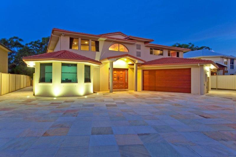 LUXURY LIVING - GREAT FAMILY HOME