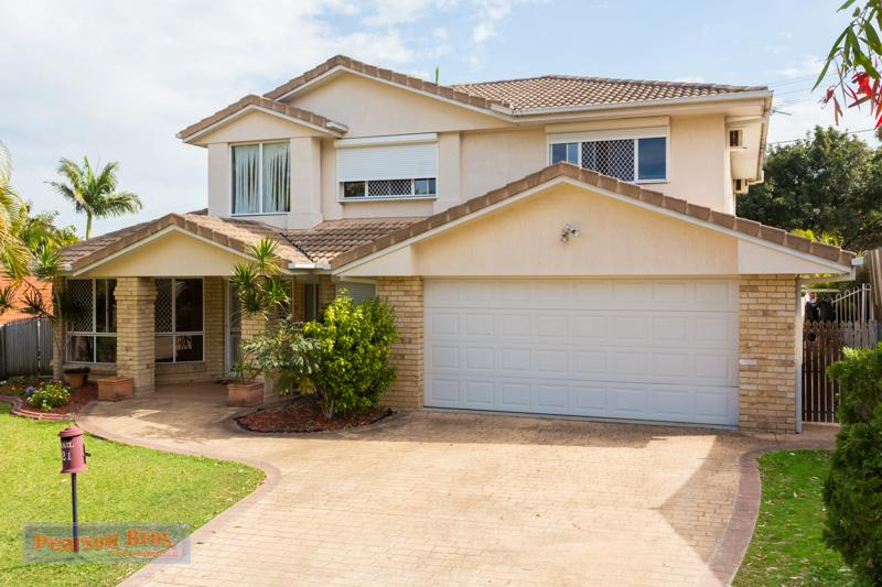 CAPALABA - LARGE FAMILY HOME