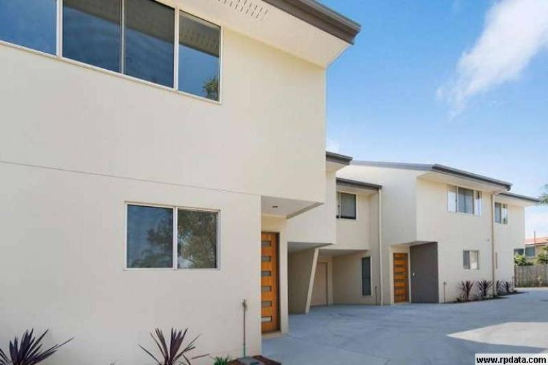 CAPALABA - MODERN TOWNHOUSE CLOSE TO EVERYTHING