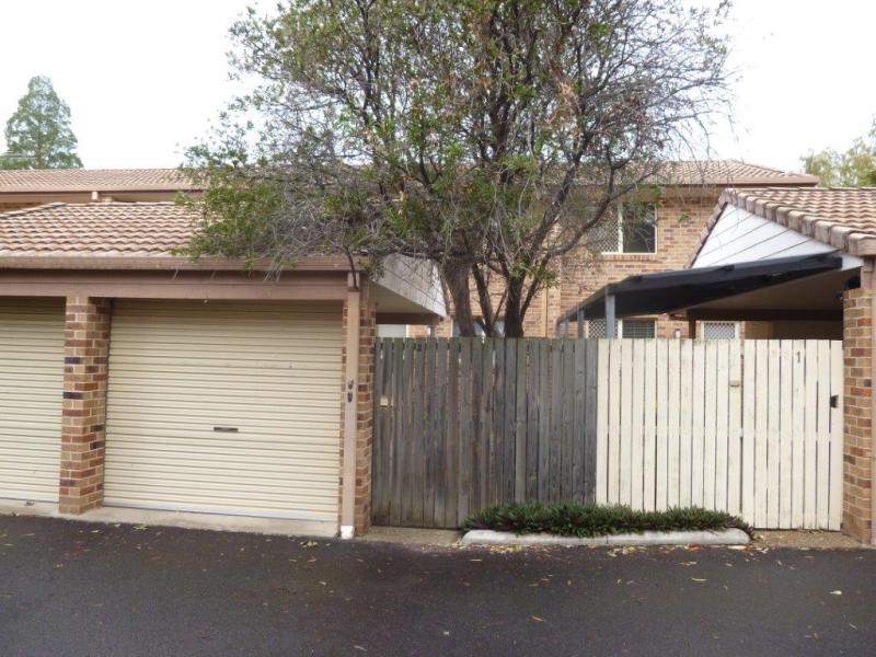 Capalaba - Spacious Two Storey Unit