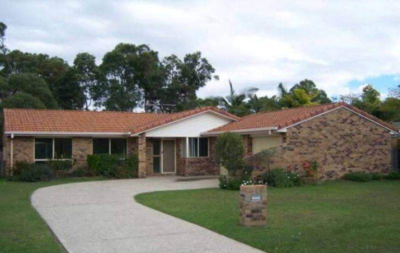 MT COTTON - BACKING ONTO BUSHLAND