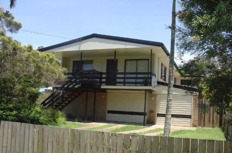 CAPALABA - LOCATED CLOSE TO MAJOR SHOPPING CENTRES