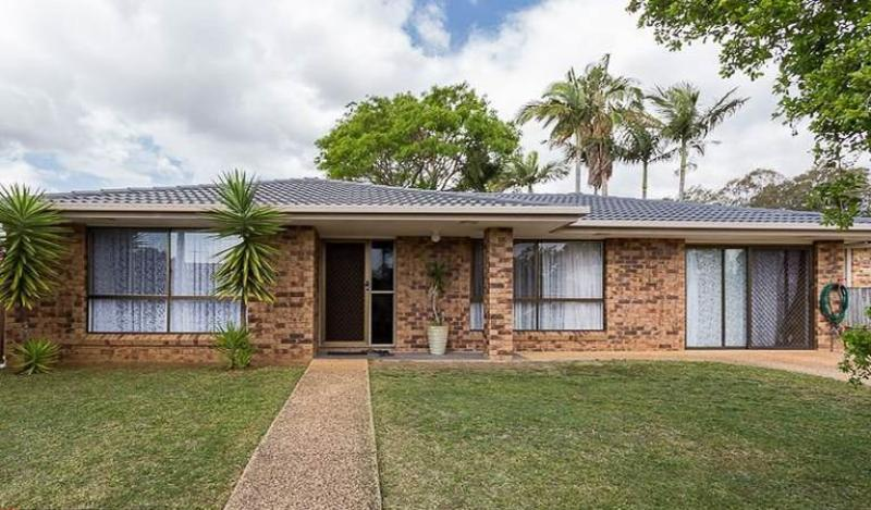 REDLAND BAY - IDEAL LOCATION