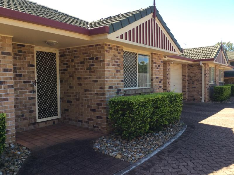 WELLINGTON POINT - SMALL COMPLEX
