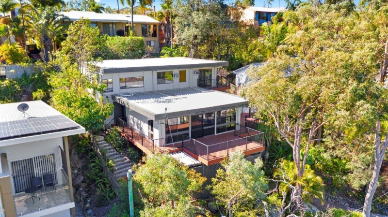 Situated in a the heart of Rochedale South - Absolute Convenience.