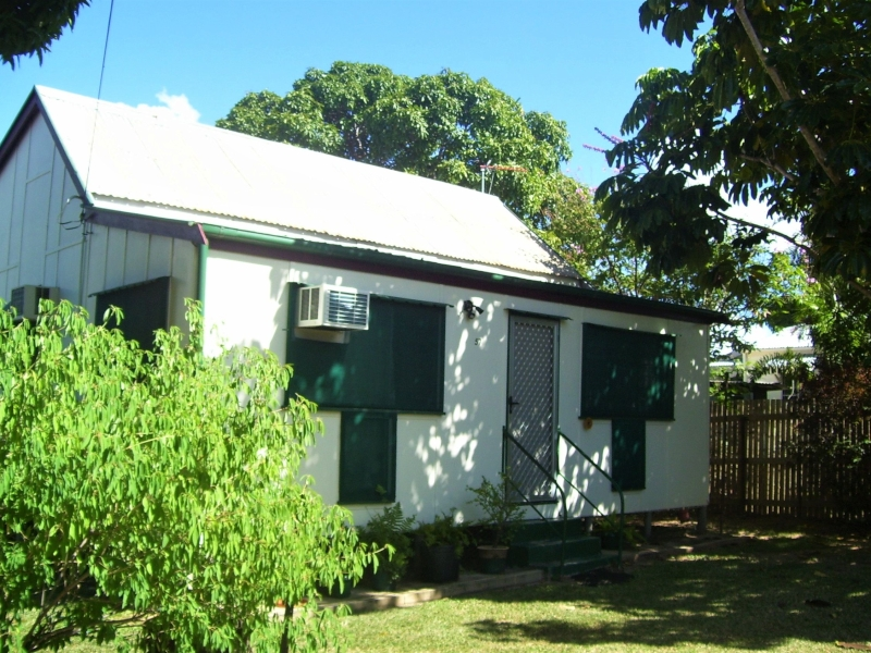 PRICE DROP! Lovely Renovated 2 Bedroom Home + Separate Sleep-Out