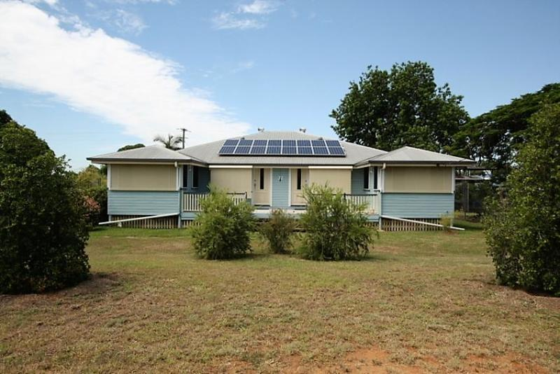 Immaculate Queenslander, with a Twist!