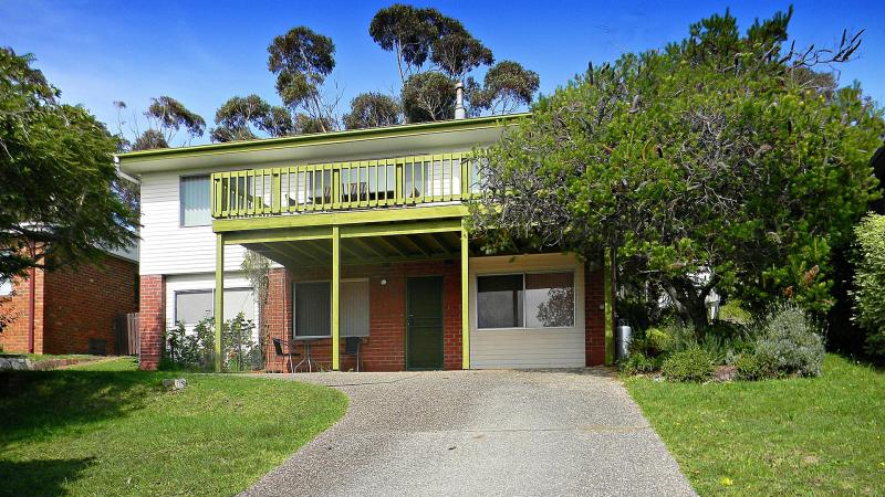 IDEAL FOR EXTENDED FAMILIES - POPULAR PAMBULA BEACH LOCATION