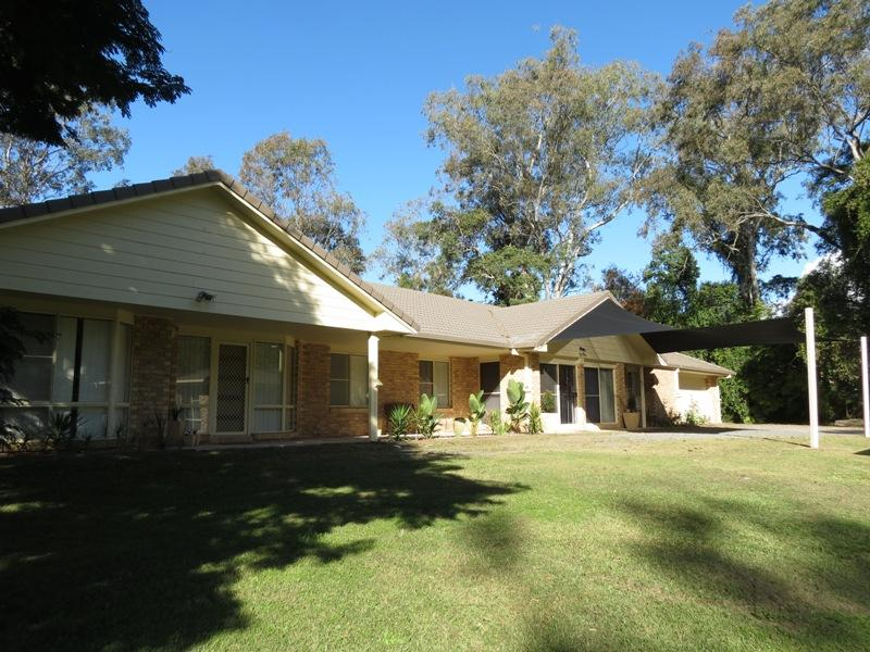 Short real estate coffs harbour coffs harbour real estate for 21 ruth terrace oxenford
