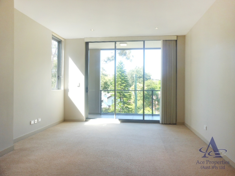 New Paint! Spacious Unfurnished Two Bedroom Apartment in Lindfield!