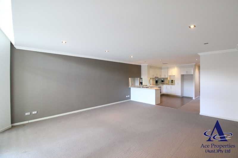 Modern Spacious 2-bedroom apartment in McElhone St, Woolloomooloo