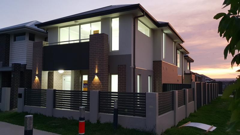 5 Bedrooms Family Home With Teenage Retreat!!