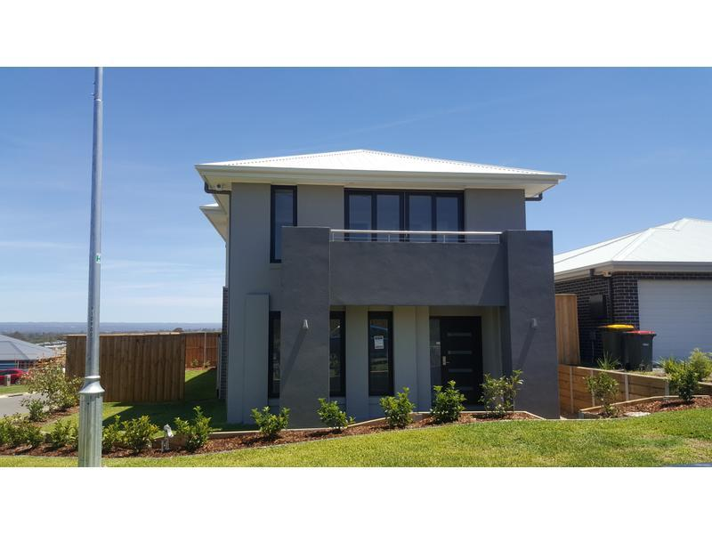 4 Bedrooms Family Home With Teenage Retreat!!