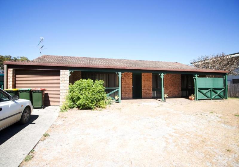 ONE FOR THE RETIREE OR INVESTOR - UNDER OFFER
