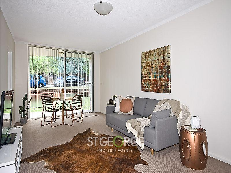Impressively Renovated Apartment In An Ideal Location
