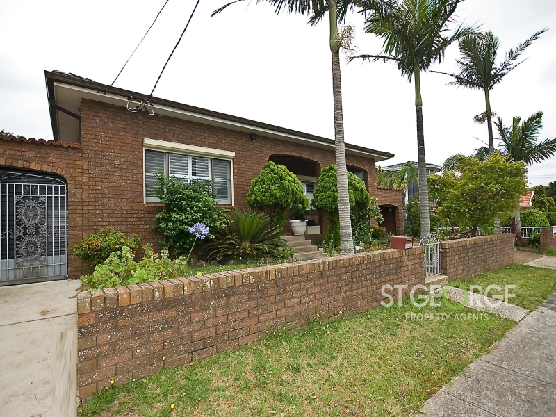 Family Home In A Quiet, Sought After Street