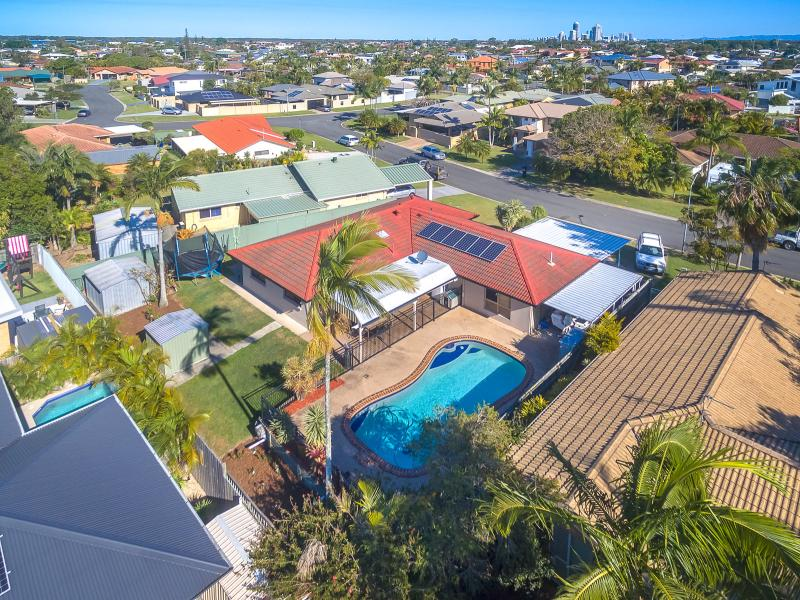 Spacious Family Home in Runaway Bay