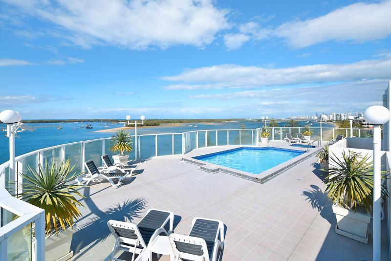 Excellent Investment Opportunity - Broadwater Views!