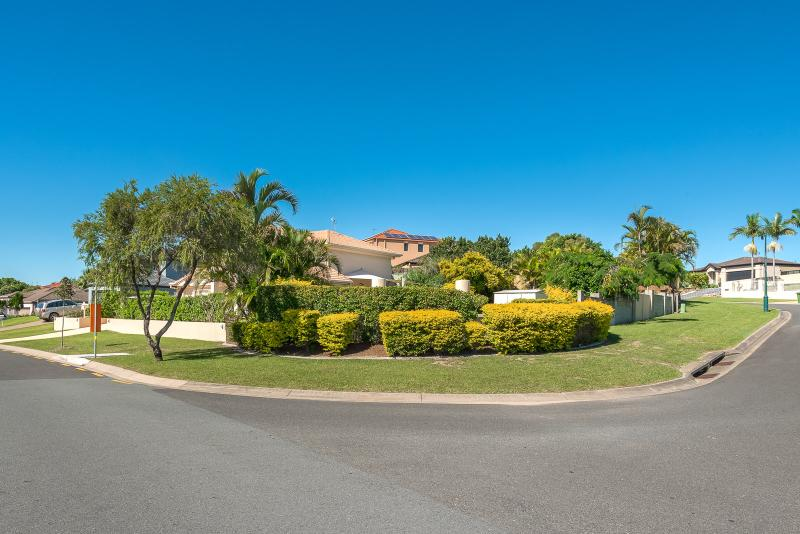 RARE CORNER BLOCK IN THE SOUGHT AFTER SUBURB OF PARKWOOD!