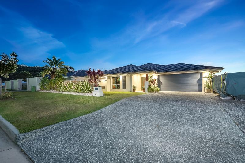 BEAUTIFUL HOME INSIDE AND OUT WITH STUNNING HINTERLAND VIEWS