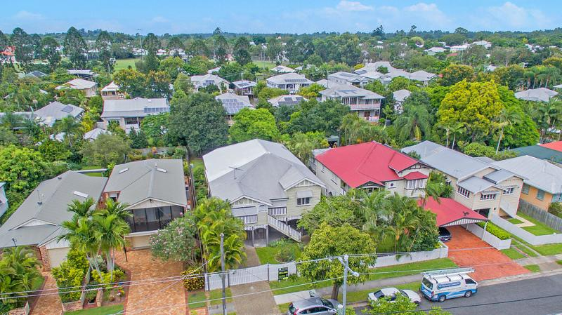 Modern Queenslander With Endless Features