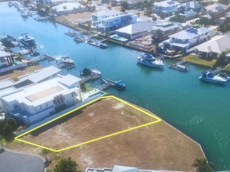 BUILD YOUR DREAM HOME AND LIVE THE WATERFRONT LIFESTYLE
