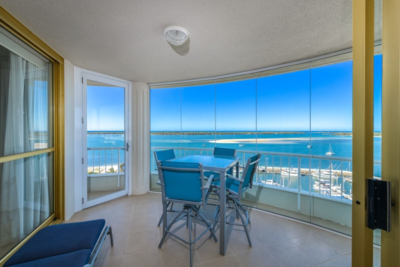SPECTACULAR PANORAMIC BROADWATER VIEWS