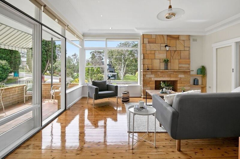 CHARMING FAMILY HOME IN PRIZED NORTH HARBOUR POCKET