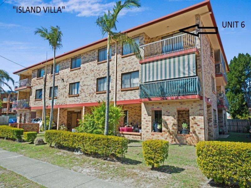 BELLARA  APARTMENT WITH WATER VIEWS - PRICE REDUCED TO $249,000 - A PROPERTY THAT MUST BE INSPECTED!