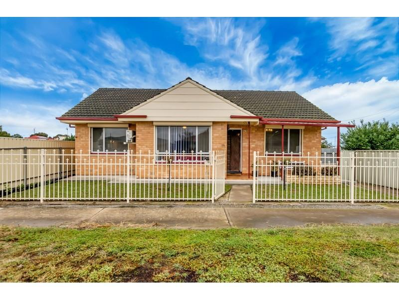 1st Home Owner/ Down Sizer or Great Investment Opportunity !